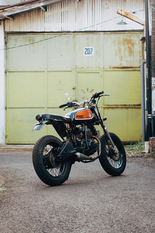 Find den rigtige motorcykellift hos AJ Engros